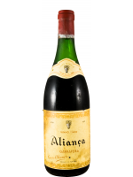 1980 Aliança Garrafeira red (yellow label)